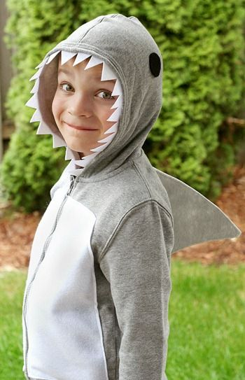 idee-costume-enfants-requin